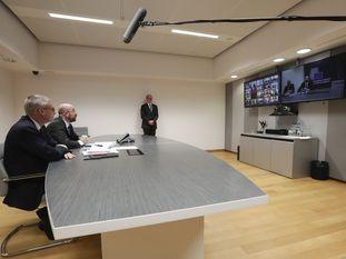 El presidente del Consejo Europeo, Charles Michel, al comienzo de la videoconferencia con los jefes de Gobierno de los Veintisiete.