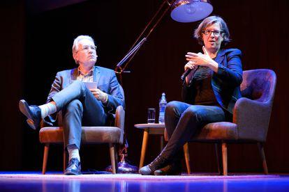 Virginia Eubanks, durante una entrevista con público realizada en Utrecht, Países Bajos, en 2019.