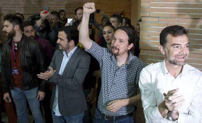 Pablo Iglesias, con el puño levantada, en un acto en Málaga este miércoles.