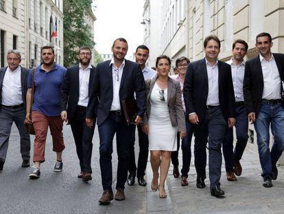 Cargos del Partido Socialista de Francia, a su llegada al congreso de la formación en París.