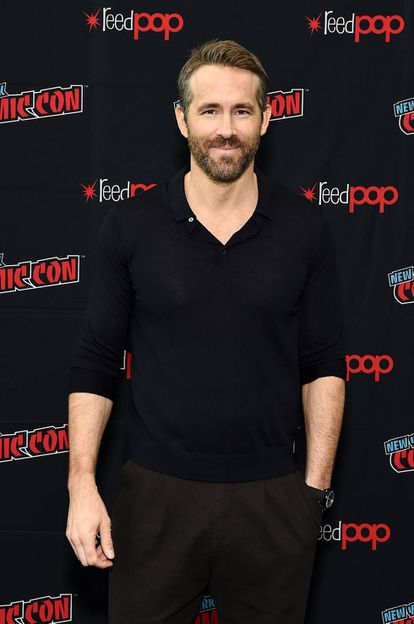 Ryan Reynolds eligió un sueter de punto para acudir a la Comic Con.