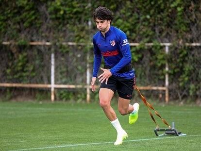 El atlético Joao Felix, en el entrenamiento en solitario de este viernes.