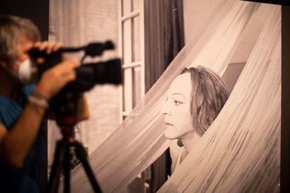Donald Sutherland, como Casanova, parece dejarse interpretar por un fotógrafo.