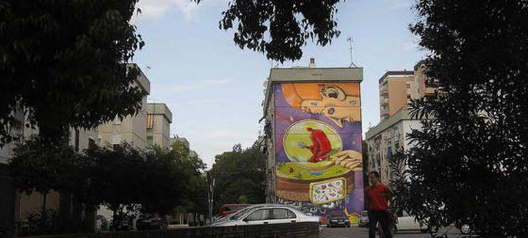Uno de los murales de los artistas internacionales en el Polígono de San Pablo, en Sevilla