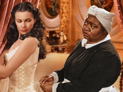 Vivien Leigh y Hattie McDaniel en 'Lo que el viento se llevó'.