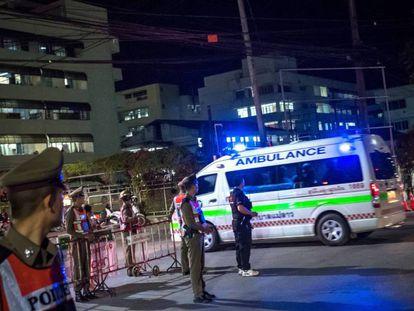 El hospital provincial de Chiang Rai está fuertemente custodiado.