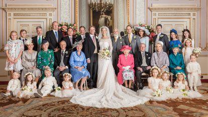 Boda de lady Gabriella Windsor, hija de los príncipes de Kent, celebrada en los jardines de Frogmore House, con la asistencia de Isabel II y el príncipe Felipe de Edimburgo.