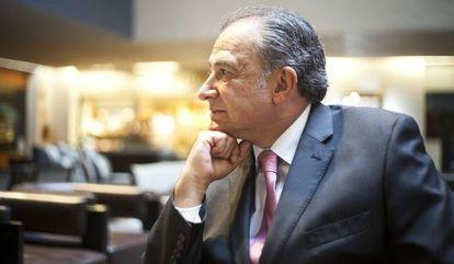 El general Naranjo, durante la entrevista.