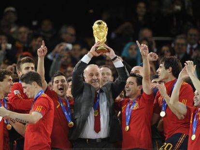 Del Bosque, con la copa del mundo conquistada en 2010.