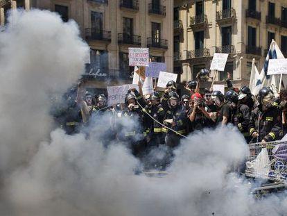 Los bomberos de Barcelona se manifiestan en mayo del año pasado para reclamar mejoras laborales