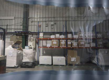 El almacén de Hersill, fabricante de equipos médicos con sede en el polígono industrial de Móstoles (Madrid)