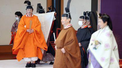 El príncipe Fimihito de Japón en su ceremonia de proclamación como heredero, en Tokio el domingo.