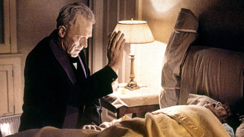 Max von Sydow, en una escena de 'El exorcista'.