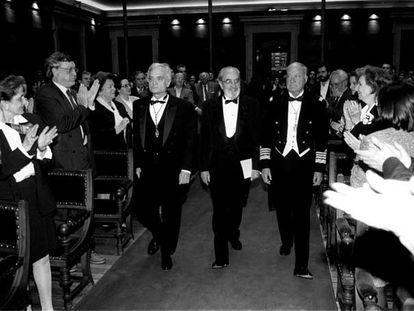 Hace 10 años, en el acto de ingreso en la RAE, con Luis Goytisolo y Eliseo Álvarez-Arenas.
