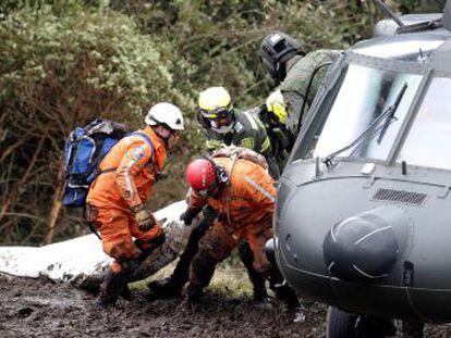 Seis personas, dos en estado grave, sobrevivieron a la tragedia gracias a que la aeronave no explotó