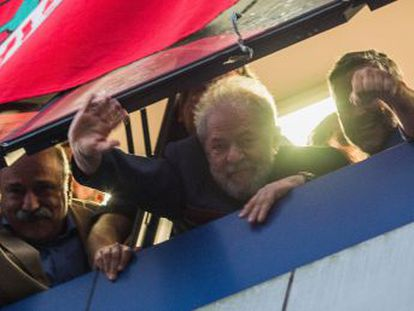 El expresidente, atrincherado en el Sindicato, no será detenido ni este viernes por la noche ni durante la madrugada del sábado, según ha confirmado la Policía Federal