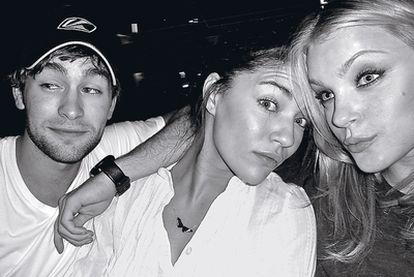 Chace Crawford, Jessica Szhor y Jessica Stam (2008).