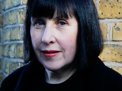 Alice Rawsthorn, retratada en Columbia Road, Londres.
