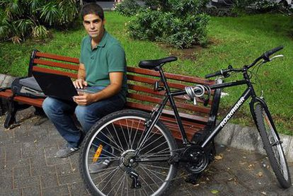 Miguel Larraz, de 27 años, es ingeniero de Diseño Industrial y vive en Las Palmas.