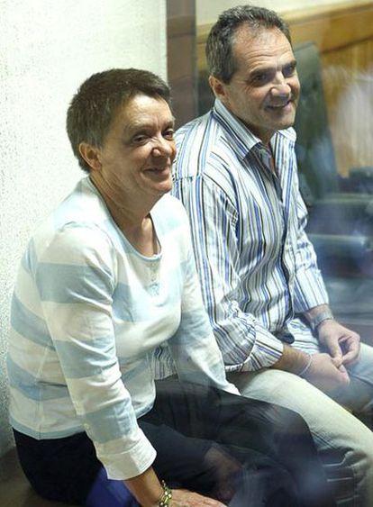 Los etarras Dolores López Resina, 'Lola' y José Javier Arizcuren Ruiz, 'Kantauri', esta mañana en la Audiencia Nacional donde ha comenzado el juicio contra ellos por participar en el secuestro del industrial vasco Cosme Delclaux.