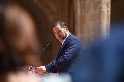 El entonces consejero de Transportes y secretario de Organización del PSOE, José Luis Ábalos, el pasado mes de junio durante un acto en Valencia.