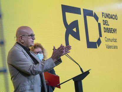 Vicent Martínez y Amparo Bertomeu, en la presentación de la Fundació del Disseny en el edificio Veles e vents de Valencia.