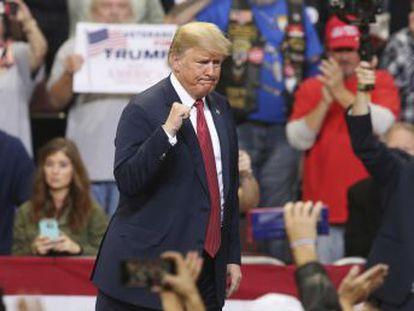 El presidente se ha tomado las elecciones legislativas como un todo o nada sobre sí mismo. Una derrota republicana le pondría al borde del abismo; una victoria, hundiría sin remedio a los demócratas. Este también es su referéndum.