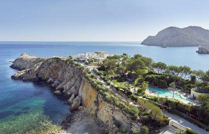 En el norte de Ibiza está Isla Sa Ferradura, una construcción de los años setenta, que Jaimer Romano ha rehabilitado.