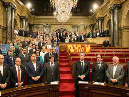 El pleno del Parlament, sin los grupos del PPC, PSC y C' s, tras aprobar la declaración de independencia en octubre de 2017.