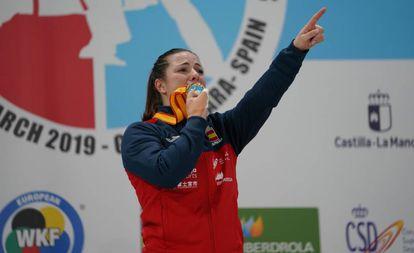 Laura Palacio, dedica el oro en kumite +68kg a su madre.