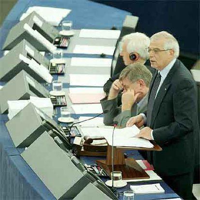 El presidente del Parlamento Europeo, Josep Borrell, durante la declaración institucional.