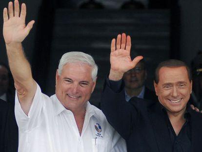 El presidente panameño, Ricardo Martinelli (izquierda), en una imagen de junio de 2010 junto al entonces primer ministro italiano, Silvio Berlusconi.