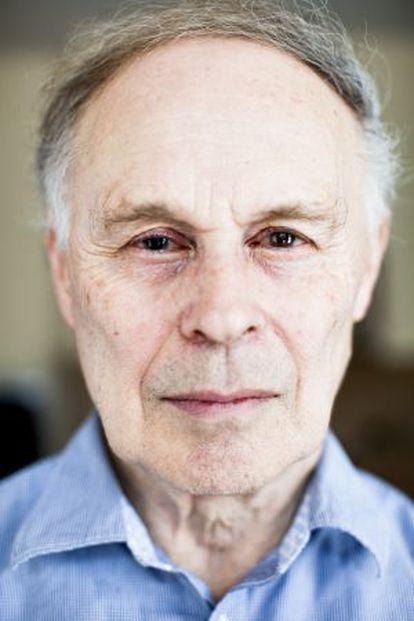 El periodista científico Nicholas Wade.