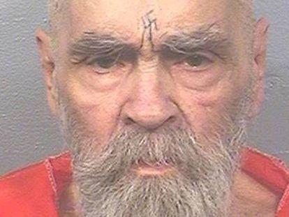 Charles Manson, fotografiado en agosto de 2017 en la prisión estatal de California. En vídeo, siete momentos que definen la personalidad de Manson.