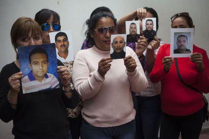 Esposas de los policías desaparecidos en Úrsulo Galván.