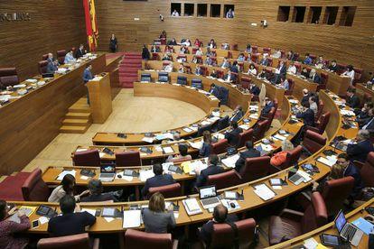 Pleno de las Cortes Valencianas que ha debatido pedir el cierre de la central de Cofrentes.