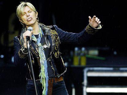 David Bowie en un concierto de Oslo de 2004.