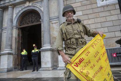 Justo José M. P., en noviembre cuando intentó entrar en la Generalitat.