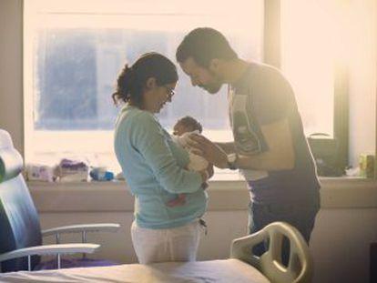 Arranca la tramitación de la propuesta de Podemos, con 16 semanas para cada progenitor, las dos primeras a la vez