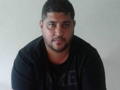 André Macedo, narcotraficante del PCC, el día de su detención en una foto difundida por la policía brasileña.