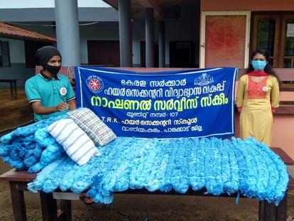 Ejemplo de un colchón reciclado a partir de restos de Equipos de Protección Individual (EPI).