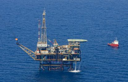 Plataforma petrolíera Casablanca, situada frente a Tarragona.