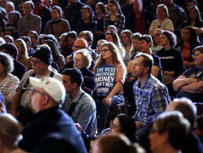 Los  caucus  de Iowa son la primera gran criba de la carrera hacia la Casa Blanca y supondrán un test al giro izquierdista del partido