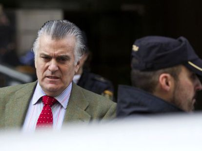 El extesorero del PP Luis Bárcenas abandona la Audiencia Nacional.
