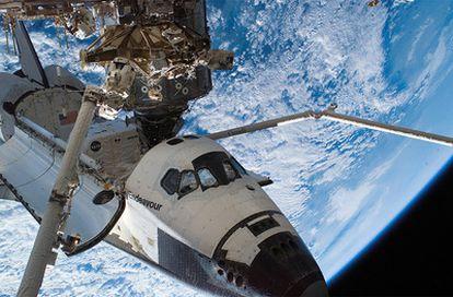 El Endeavour, en una misión en el espacio en 2007