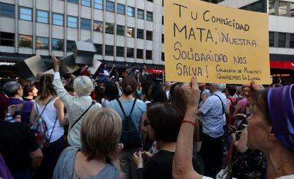 Concentración en Madrid por la mujer que se suicidó este mes de mayo tras la difusión de sus vídeos íntimos.