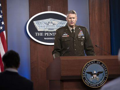 El general Hank Taylor, del Estado Mayor norteamericano, comparece en el Pentágono, Arlington, este viernes.