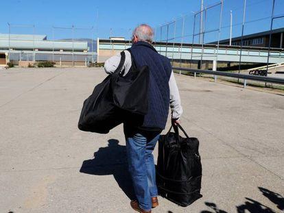 Rodrigo Rato a su entrada en en la cárcel de Soto del Real en octubre de 2018.