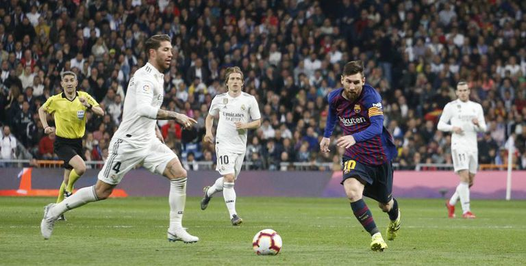 Ramos and Messi, in the last classic of 2019 at the Bernabéu.