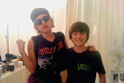 Greyson Chance, junto a Lady Gaga, a la que conoció después del éxito de su vídeo.